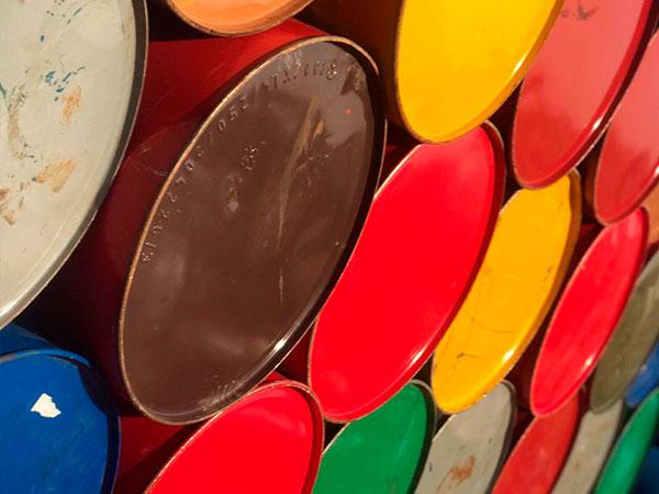 tambores com diversidade de cores